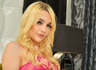 """Kenna James in """"Porn Star Experience"""""""